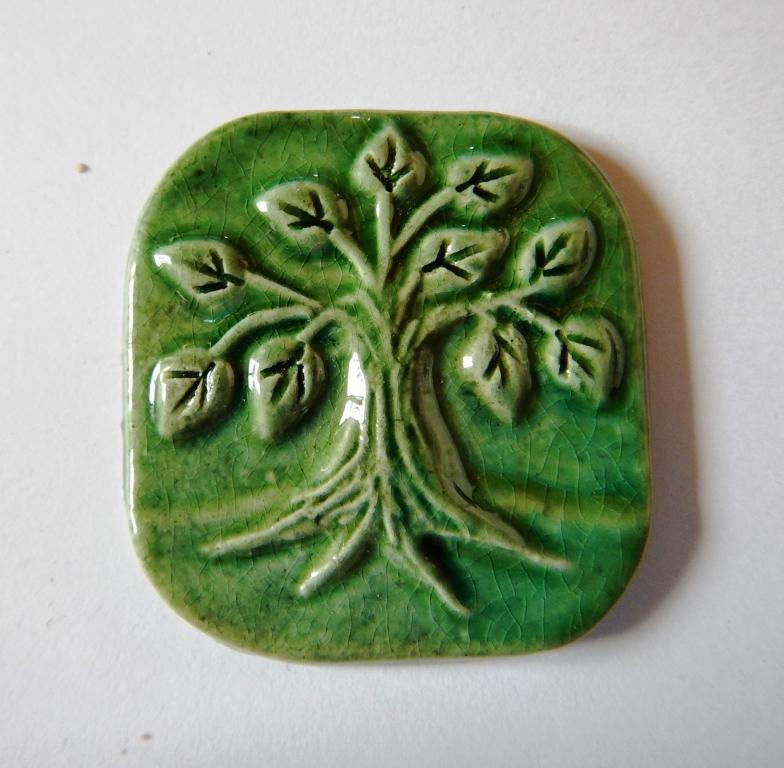 baum-erstkommunion-brosche-keramik-ivancsics
