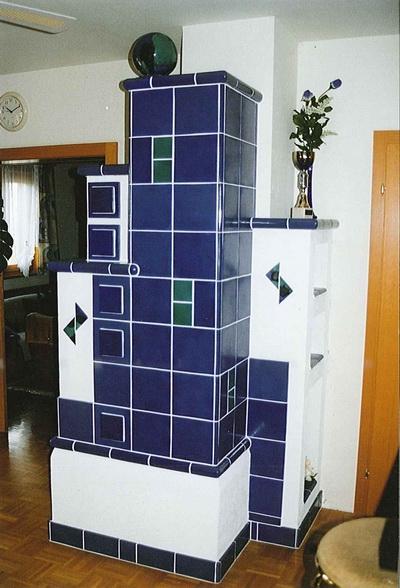kachelofen_ivancsics_burgenland_Turm-blau.jpg